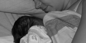 Нощното кърмене-трикове и истини